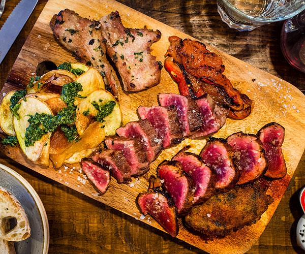 Lobos Meat & Tapas